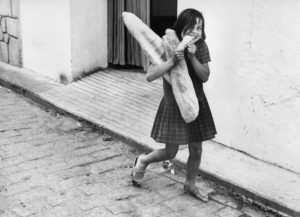 Smiling girl coming back from the bakery, Rudolf Dietrich, 1962